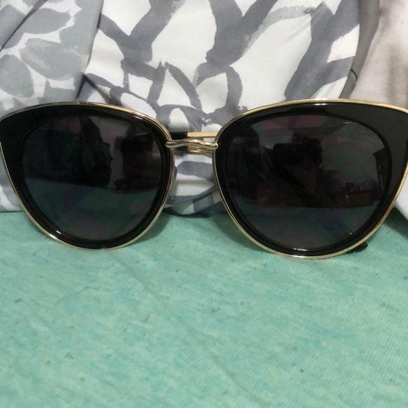 35e11a3fe2 Jessica Simpson Accessories - Black cat eye sunglasses
